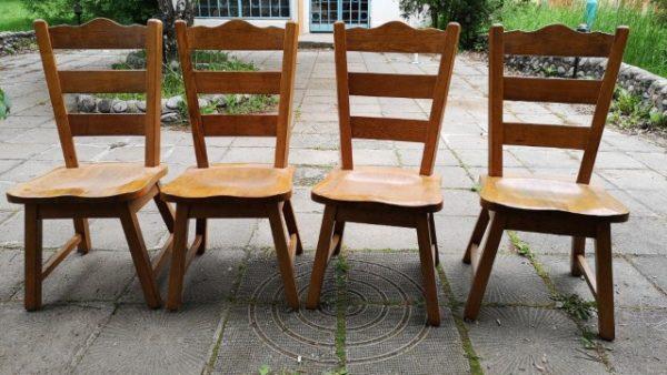 Трапезни столове от масив