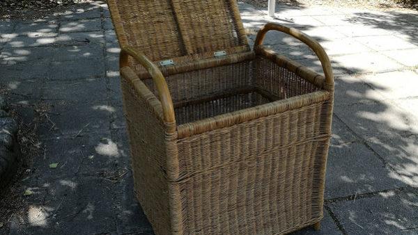 Шкаф ,ракла от естествен бамбук и ратан