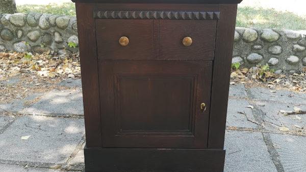 Шкафче ,масивна изработка