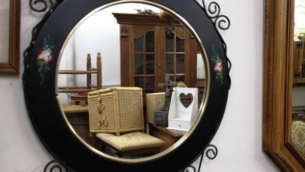 Огледало за стена ,ръчно рисувано