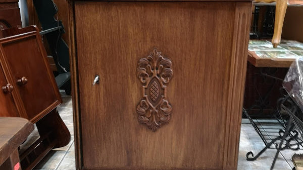 Шкафче в стил Барок