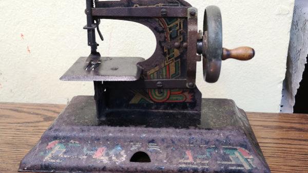 Шефна машинка за декорация