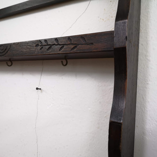 Etazherka za stena ot darvo 2