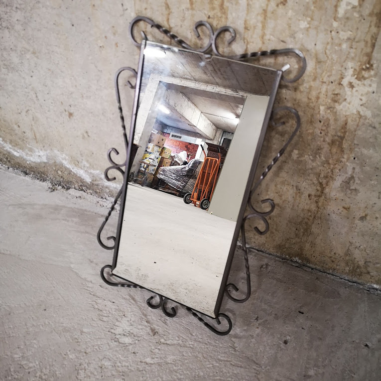 Ogledalo za stena ot kovano zhelyazo-3