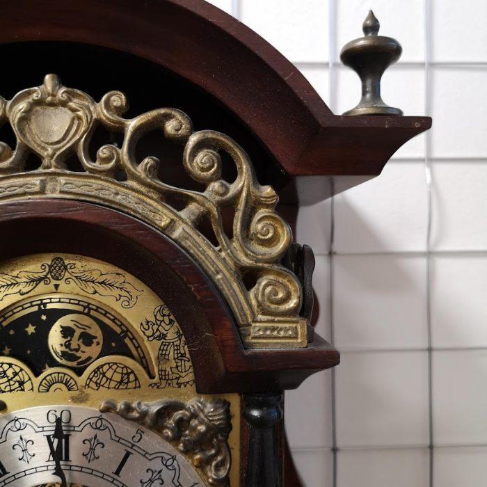 Mehanichen Niderlandski chasovnik za stena-4