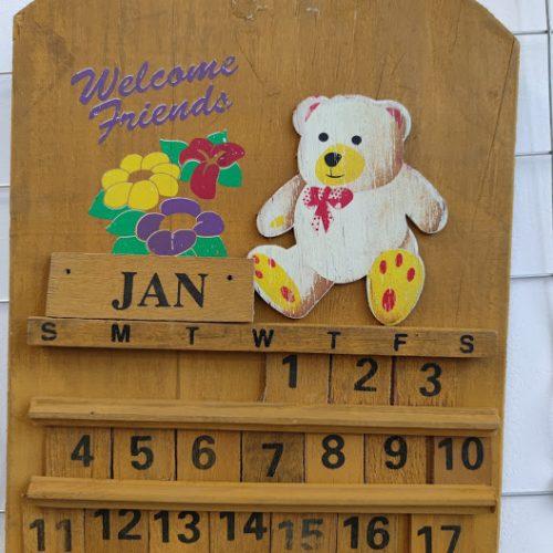 Rachno izraboten vechen kalendar za stena-2