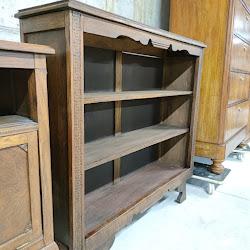 Malka biblioteka v retro stil-6