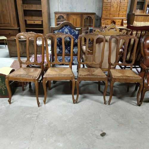 Trapezni stolove ,material dab-1