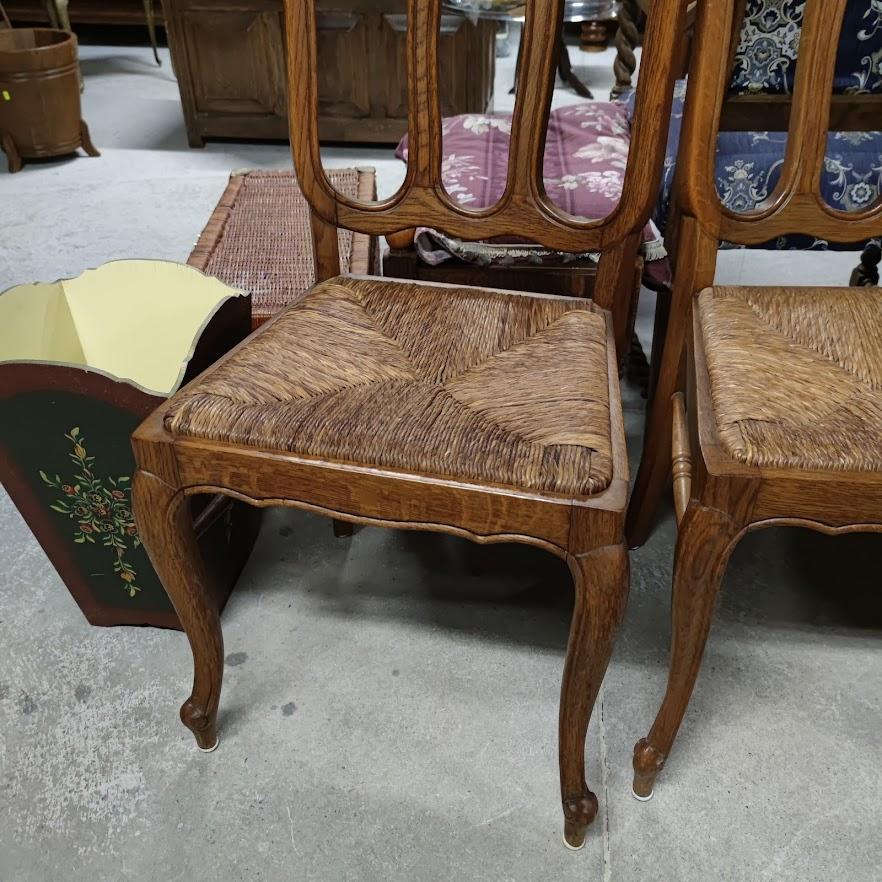 Trapezni stolove ,material dab-4